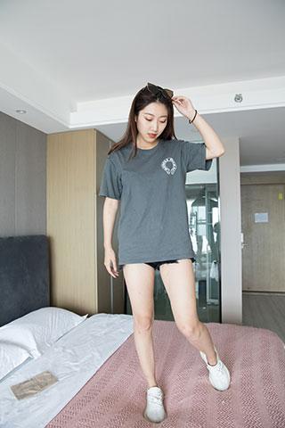 旅馆少女的脏船袜脚